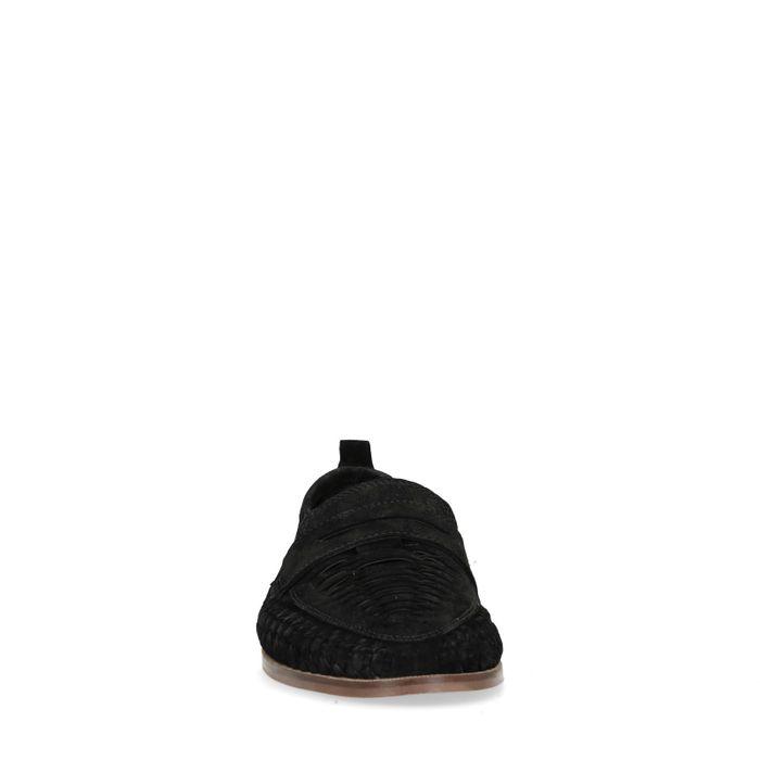 Geflochtene schwarze Slip-ons