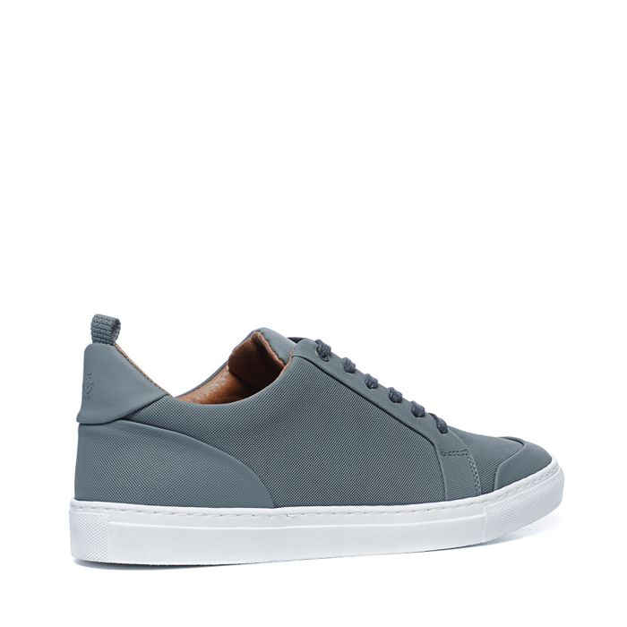 Baskets en cuir basses - gris