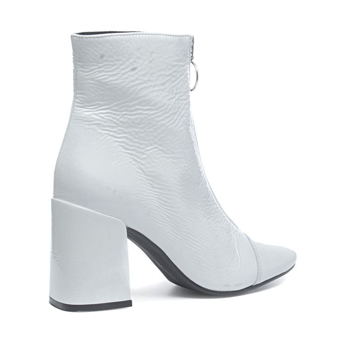 Weiße Lackleder-Stiefeletten mit Reißverschluss