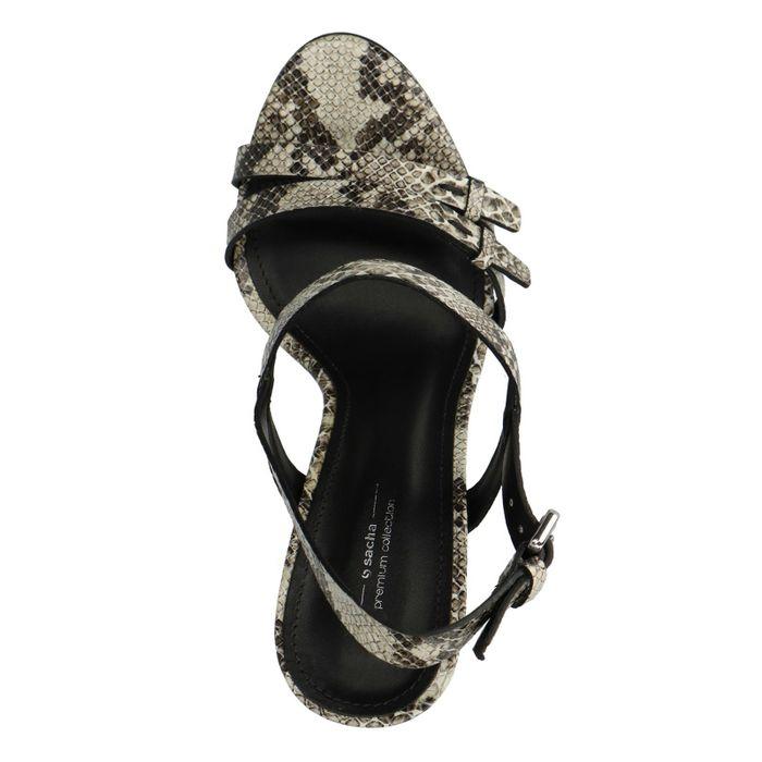 Beigefarbene Sandaletten mit Schlangenmuster