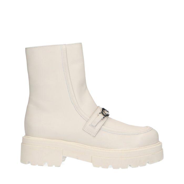 Lattefarbene chunky Boots mit Kette