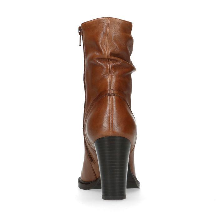 Kurze braune Raff-Stiefel