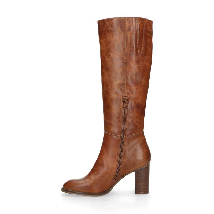 Hohe cognacfarbene Stiefel mit Absatz
