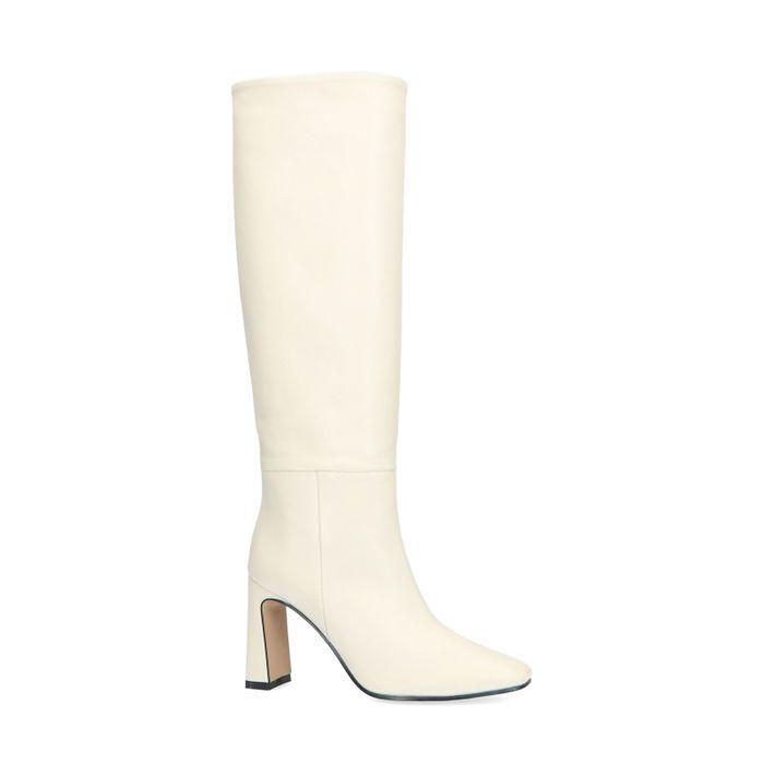 Weiße Stiefel mit Absatz und hohem Schaft