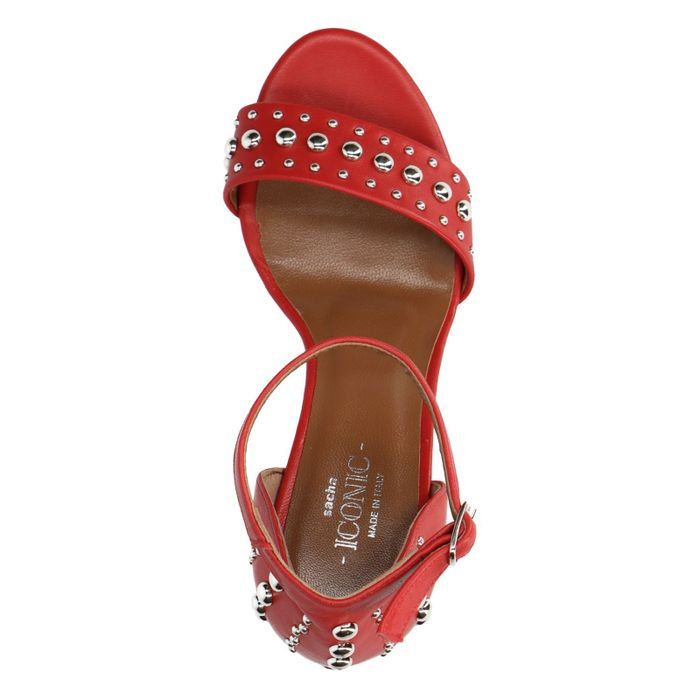Rote Sandaletten mit Nieten