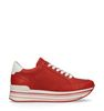 Rote Plateausneaker