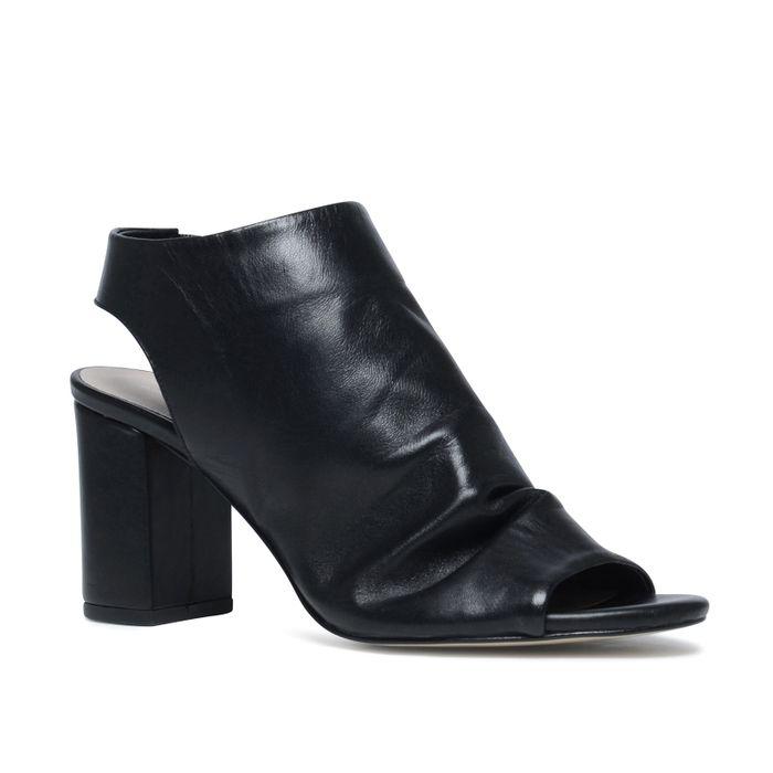 Schwarze Sandaletten mit Peeptoe