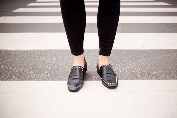 Schwarze Loafer mit Nieten
