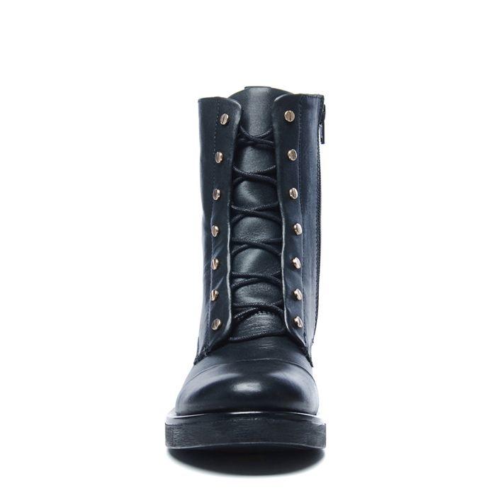 Schwarze Biker Boots mit subtilen Nieten