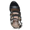Sandaletten mit Nieten