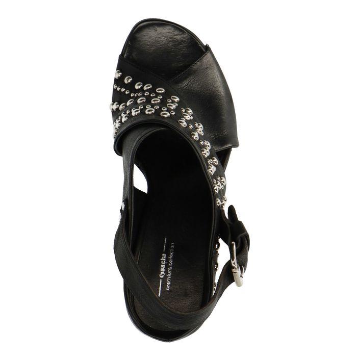 Schwarze Sandaletten mit Nieten