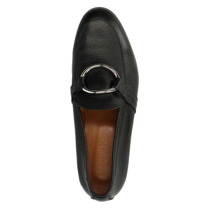 Schwarze Loafer mit Ring