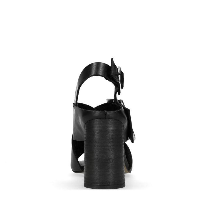 Schwarze Leder-Sandaletten mit Schnalle