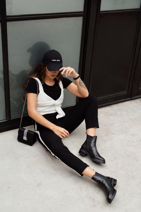 Sacha x Luxblog Schwarze Chelsea Boots mit sporty Stripe