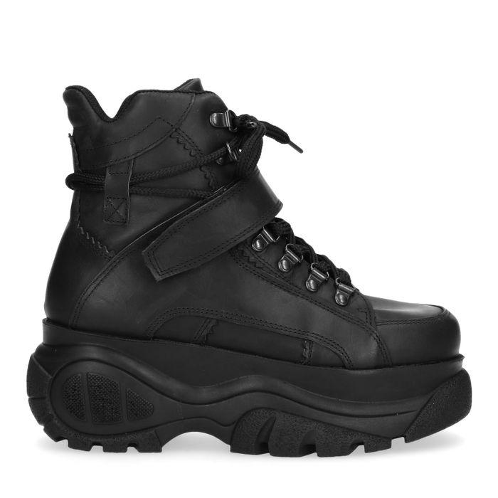 Schwarze Plateau-Sneaker mit chunky Sohle