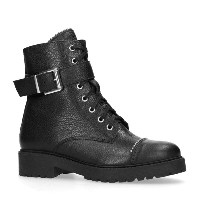 Schwarze Schnürstiefeletten mit Nieten