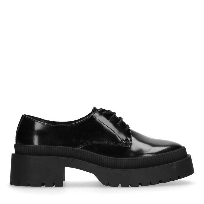 Schwarze Schnürschuhe mit Plateausohle