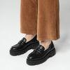 Schwarze Loafer mit chunky Sohle