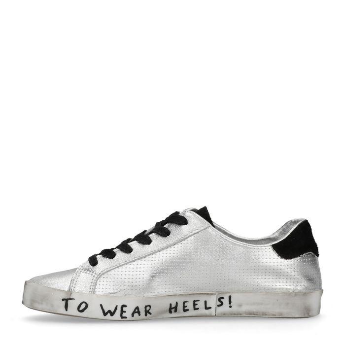 Metallic-silberne Sneaker mit Stern