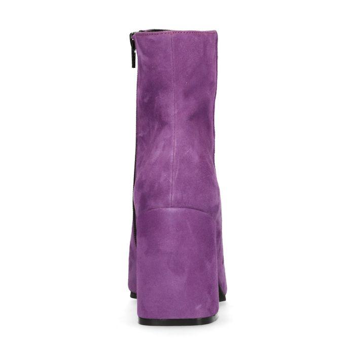 Spitze lilafarbene Stiefeletten mit Absatz