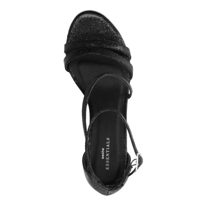 Schwarze Sandaletten mit kleinem Absatz