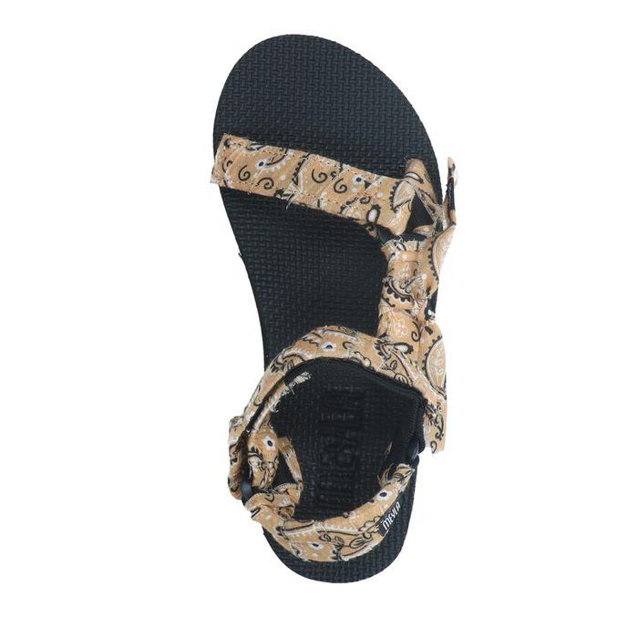 Beigefarbene Sandalen mit Bandana-Riemchen