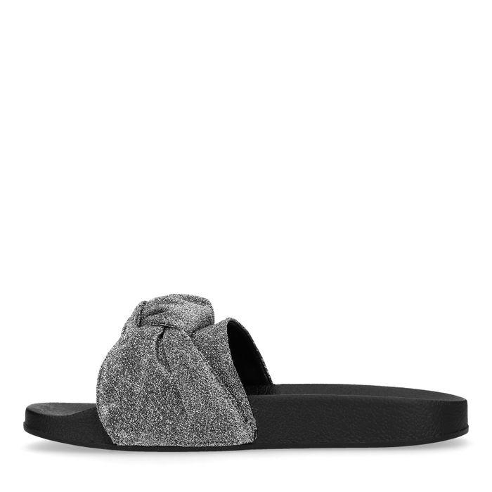 Silberne Glitzer-Sandalen mit Knoten