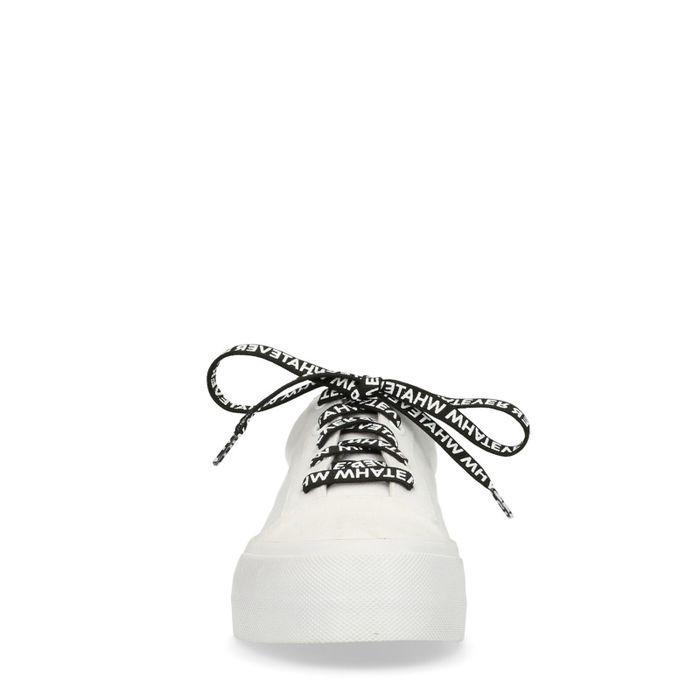 Weiße Plateausneaker mit Statement-Schnürsenkeln
