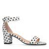 Weiße Sandaletten mit Punkten