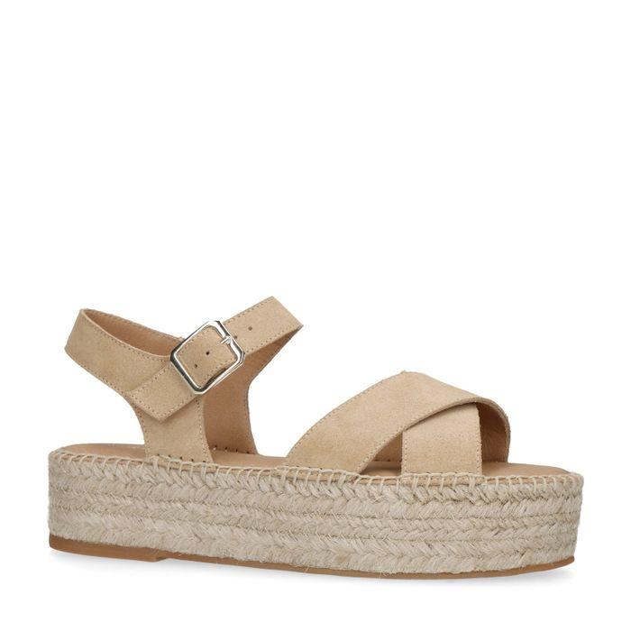 Beigefarbene Sandalen mit Plateausohle