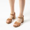 Cognacfarbene Veloursleder-Sandaletten