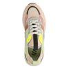 Beigefarbene Dad-Sneaker mit farbigen Details