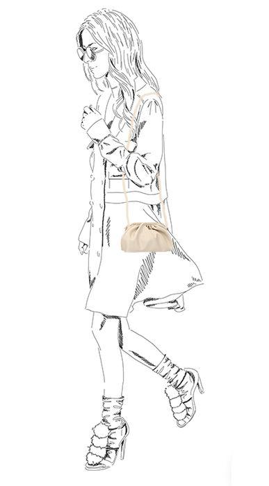 Beigefarbene Clutch mit Falten-Detail