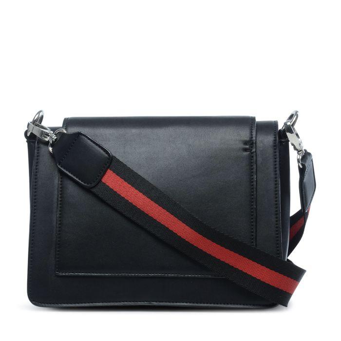 Schoudertas zwart met zwart/rode hengsel