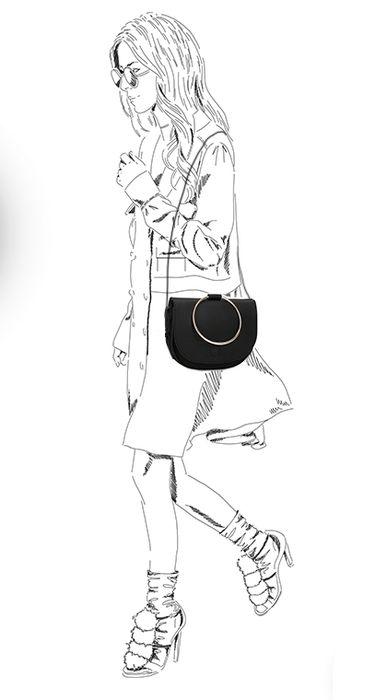Zwart schoudertasje met rond handvat