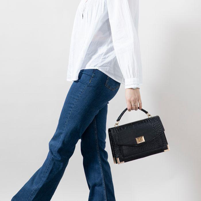 Zwarte handtas met crocoprint en goudkleurige details