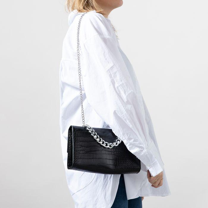 Zwarte schoudertas met crocoprint en chain