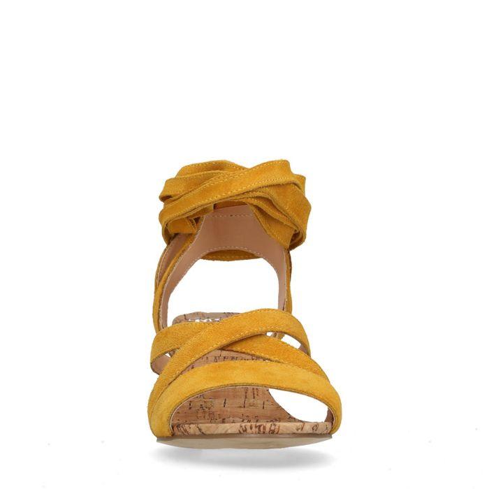 Okergele sandalen met blokhak