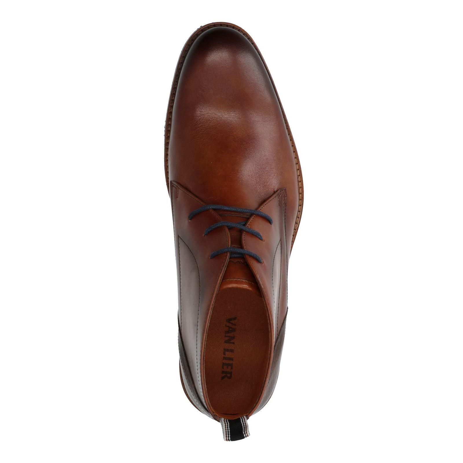 Schnürstiefel aus cognacfarbenem Leder